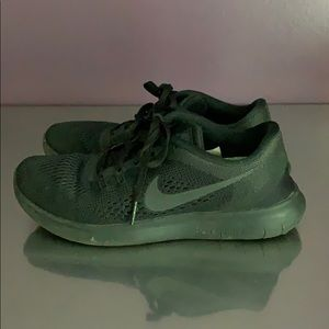 Women's Nike gym shoes